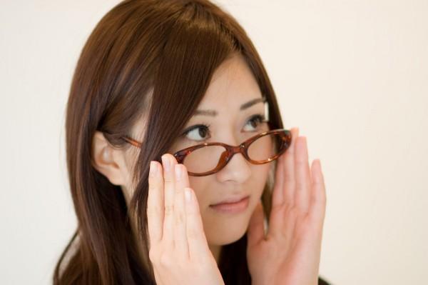 「この、偏見オンナ!!」と思われない為に外しておきたい色眼鏡