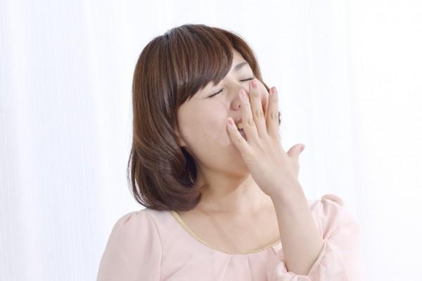 【ランチ後の睡魔撃退法】食後の眠気を抑える方法はコレっ!