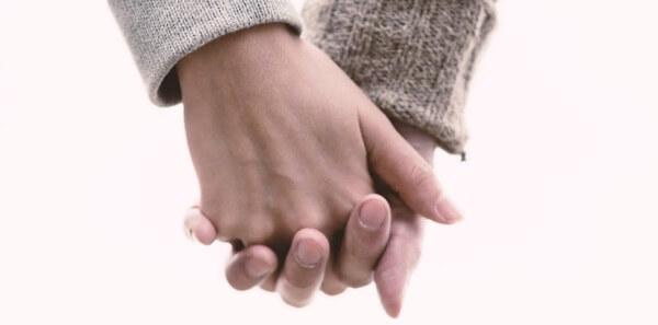 【キスで分かる男性心理】突然の不意打ちキスに隠された意味4