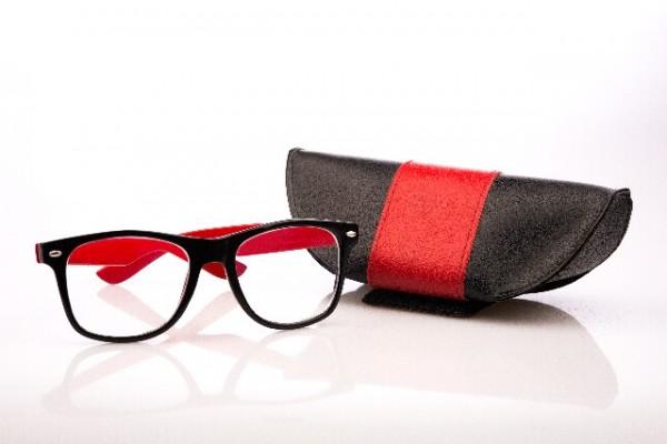 眼鏡女子が職場で人気!【働く女性のメガネ演出方法】(5)
