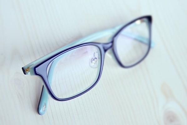 眼鏡女子が職場で人気!【働く女性のメガネ演出方法】(2)
