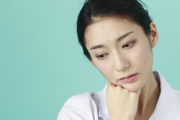 「働く女性のストレス解消方法」お金を使うとさらに憂鬱に!?