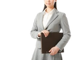 『同僚女性と仲良くなるコツ』職場に心許せる人がいない貴女へ