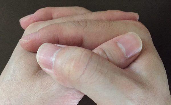 『右手の親指が上』になっている男性の性格傾向