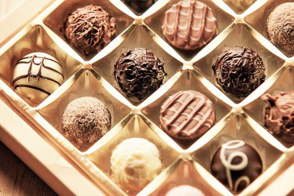 バレンタインデーの本命チョコの渡し方、渡すタイミング「年上・上司・取引先年上男性」の場合