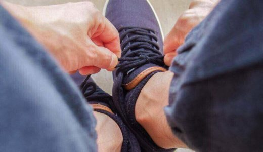 「靴紐の結び方」で仕事への意欲や相手の心理傾向がわかる!?