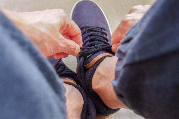 「靴紐の結び方」で仕事への意欲や相手の心理がわかる!?