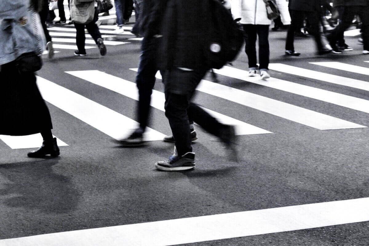 寂しさは物理的に一人でいるから生まれる感情ではない?